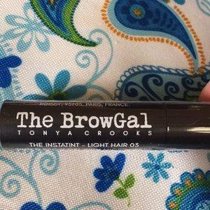 Tonya Crooks Makeup - Tinted eyebrow gel
